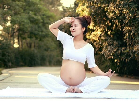孕晚期如何运动 哪些孕期运动可以助产