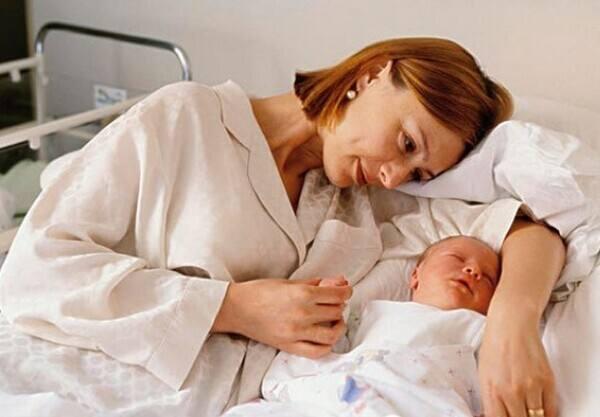 孕妇产后该怎么预防月子病