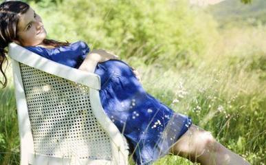 建议不穿防辐射孕妇装晒太阳