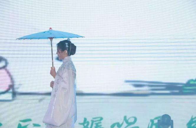 2019婧麒年会节目:小城谣