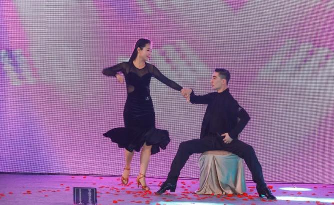 2019婧麒年会节目:拉丁舞