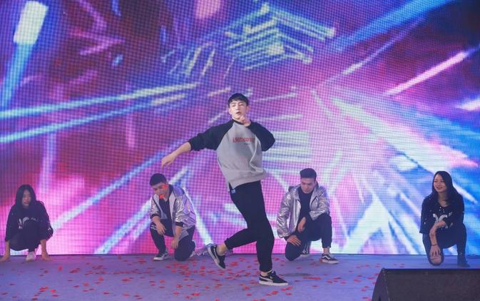 2019婧麒年会节目:街舞秀